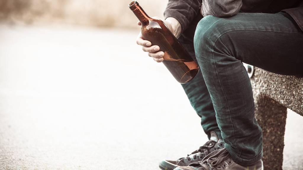 Der alkoholisierte Mann wird angezeigt (Symbolbild).
