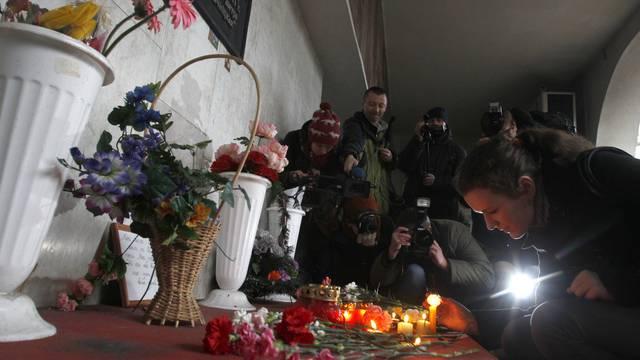 In der U-Bahn werden zum Gedenken an die Opfer Kerzen angezündet und Blumen mitgebracht (Archiv)