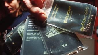 Der Zoll fängt die Post mit Hanfsamen ab und schickt die Informationen der Kantonspolizei. (Symbolbild)