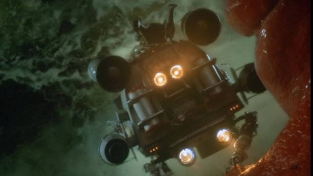 Screenshot aus dem Spielfilm «Innerspace» (1987), in dem Dennis Quaid ein Mini-U-Boot durch den menschlichen Organismus navigiert. Linzer Forscher arbeiten nun an der Realisierung eines solchen Teils. Als erster Schritt haben sie eine Motor aus weichen bis flüssigen Materialien entworfen. (imdb)