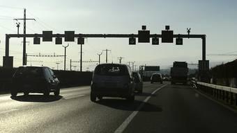Der Pannenstreifen ist für Pannenfahrzeuge da: Auf der A1-Strecke Härkingen-Luterbach bleibt das Fahren auf dem Pannenstreifen auch bei Stau verboten. (Archivbild)