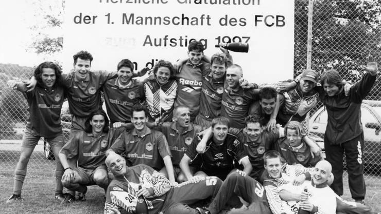 1997 kehrte Birmensdorf mit Trainer Patrick Stein (rechts) in die 3. Liga zurück, ein Jahr später stiegen sie wieder ab.