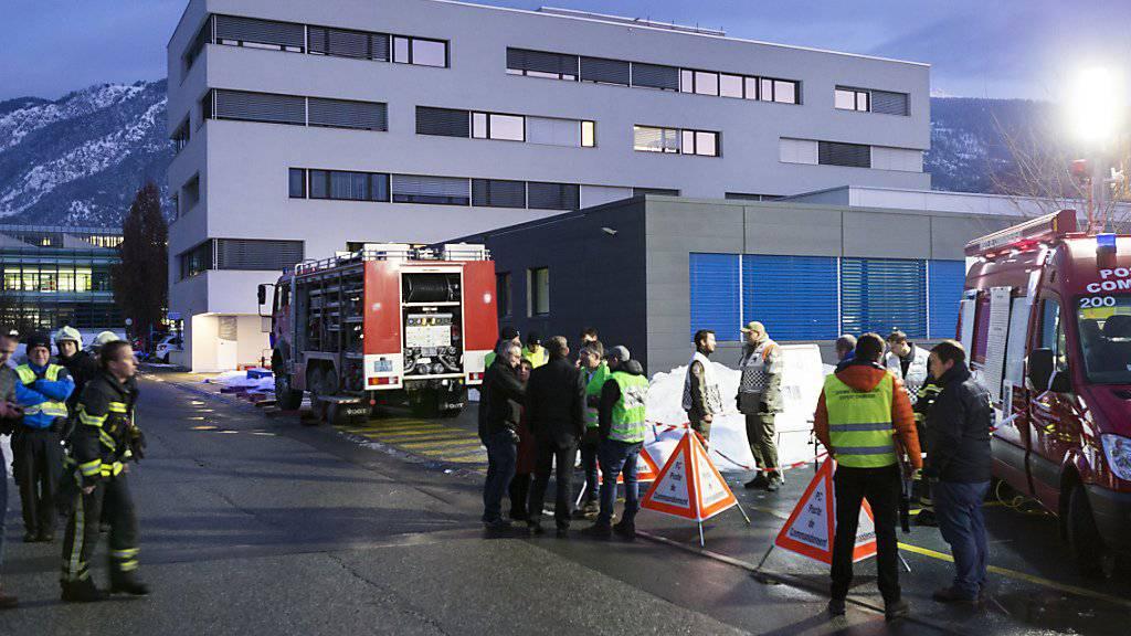 Beim Brand im Laborgebäude des Spitals Sitten gingen keine Analysen verloren.