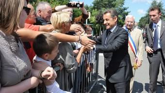 Bei diesem Bad in der Menge geht es Sarkozy an den Kragen (Archiv)