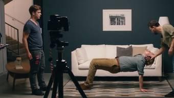 Was das Video auch noch erzählt: Torbjörn Lundberg hat zwar offenbar einen Traumjob, ist aber auch sehr einsam.