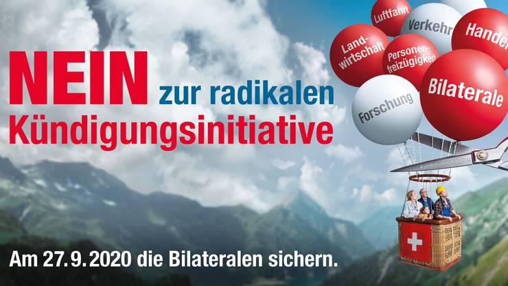 Mit diesem Ballonplakat beginnt Economiesuisse am Montag den Abstimmungskampf zur Begrenzungsinitiative.