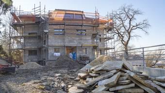 Baustopp: Der Architekt dieses Hauses liegt mit der Bauverwaltung im Clinch.