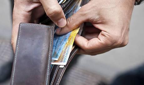 Mann sucht frau gegen geld