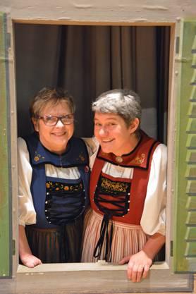 die abtretende Dirigentin Doris Brändli (links) und die Nachfolgerin Fränzy Meyer