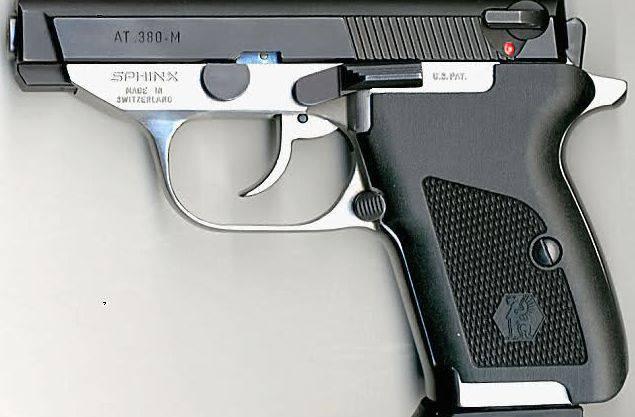 Eine solche Waffe verwendete Täter Viktor B. - eine Sphinx, Modell AT 380 - es ist damit keine Armeewaffe