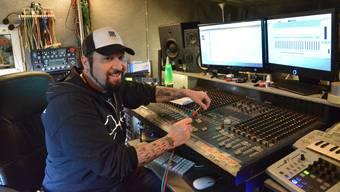 V.O. Pulver hat das Little Creek Studio in Gelterkinden vor 14 Jahren gegründet.