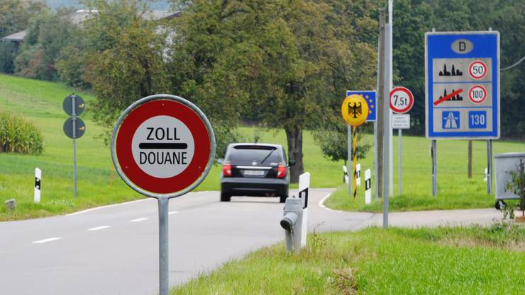 Rund 320'000 Grenzgänger arbeiten zurzeit in der Schweiz.