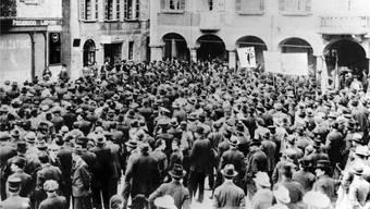 1918 streikten in der Schweiz viele Arbeitnehmende – hier in Bellinzona.
