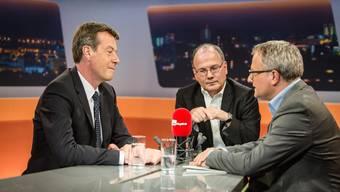 Axpo-CEO Andrew Walo und SP-Nationalrat Max Chopard im Gespräch mit «Talk Täglich»-Moderator Werner De Schepper (v.l.).