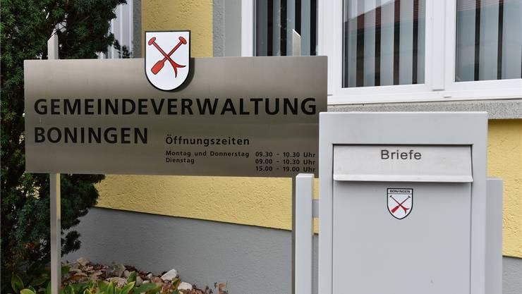 Das resultierende Minus fällt leicht geringer aus als im Voraus budgetiert (im Bild: die Gemeindeverwaltung Boningen).