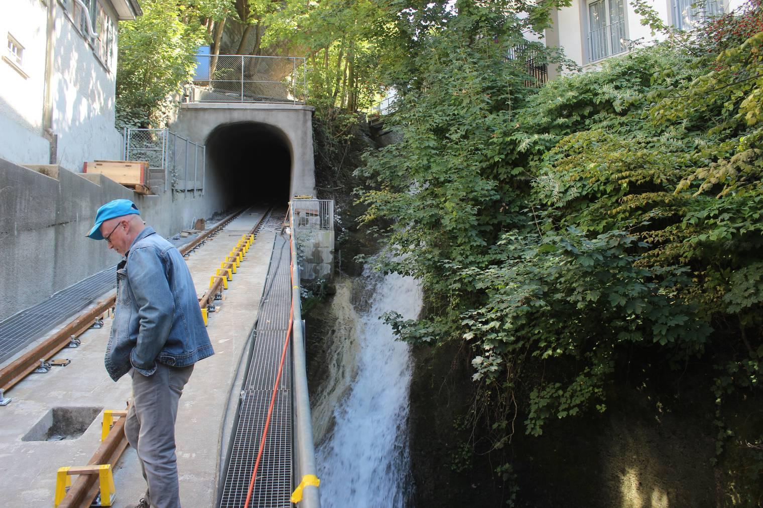 Die Strecke ausserhalb des Tunnels ist sehr kurz. (Bild: Angela Müller/FM1Today)