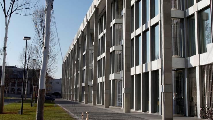 Synthes – hier der neue Europa-Hauptsitz in Zuchwil – ist die grosse Gewinnerin der Region.
