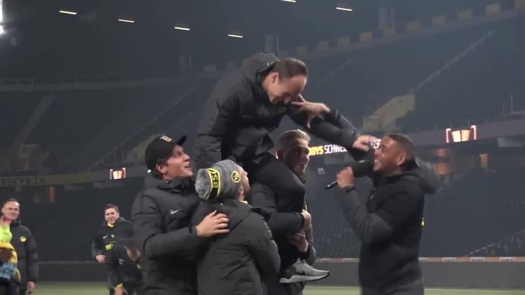 Ausgelassene YB-Feier im Stade de Suisse