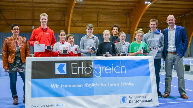 Siegerbild der Aargauischen Junionenmeisterschaft im Tennis.