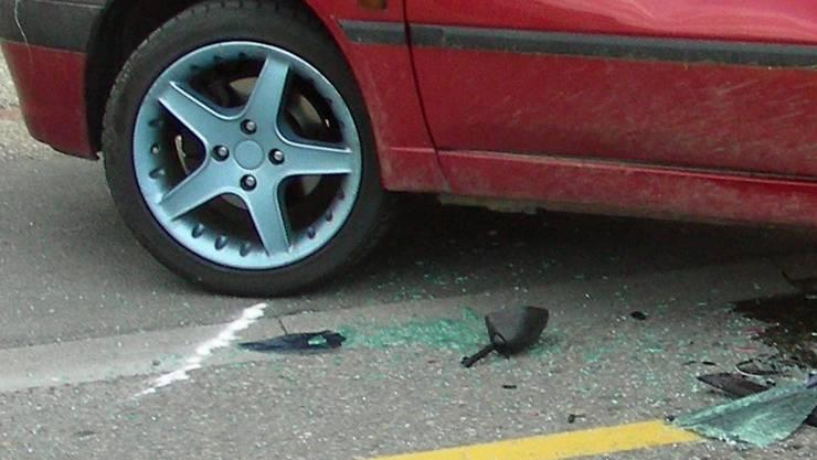 Bei dem Unfall wurden zwei Personen verletzt. (Symbolbild)