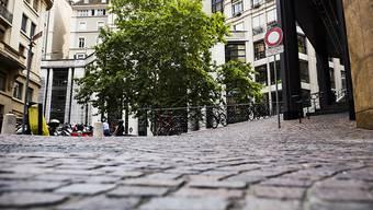 Die jungen Frauen waren auf der Place des Trois-Perdrix in der Altstadt von Genf angegriffen worden. (Archiv)