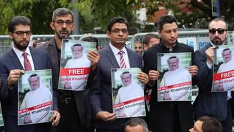 Wo ist Jamal Khashoggi? Türkische Demonstranten halten Portraits des vermissten Journalisten.