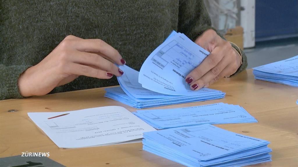 Grosskampftag bei Stimmenzählern im Wahlbüro