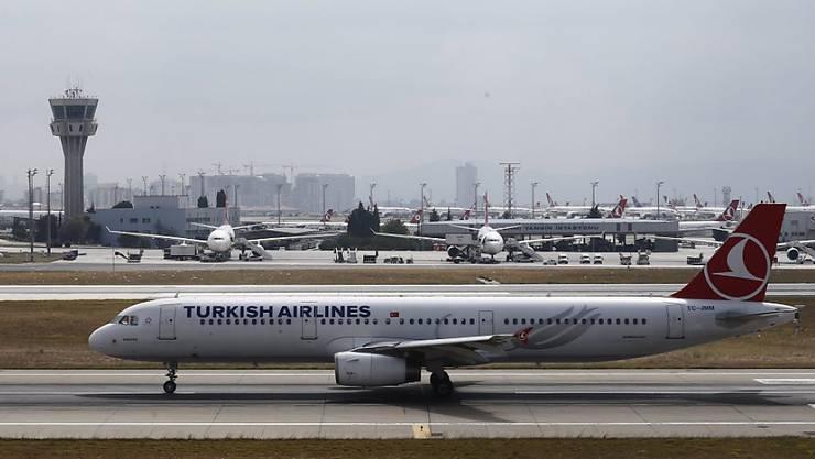 Endstation Istanbuler Flughafen: Die freiwillige Ausreise von Wesam A. fand hier ein abruptes Ende. Er befindet sich wieder in der Schweiz. (Archivbild)