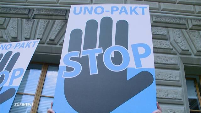 Bundesrat legt UNO-Migrationspakt auf Eis