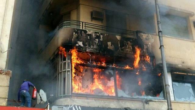 Brennendes Al Dschasira-Büro in Kairo