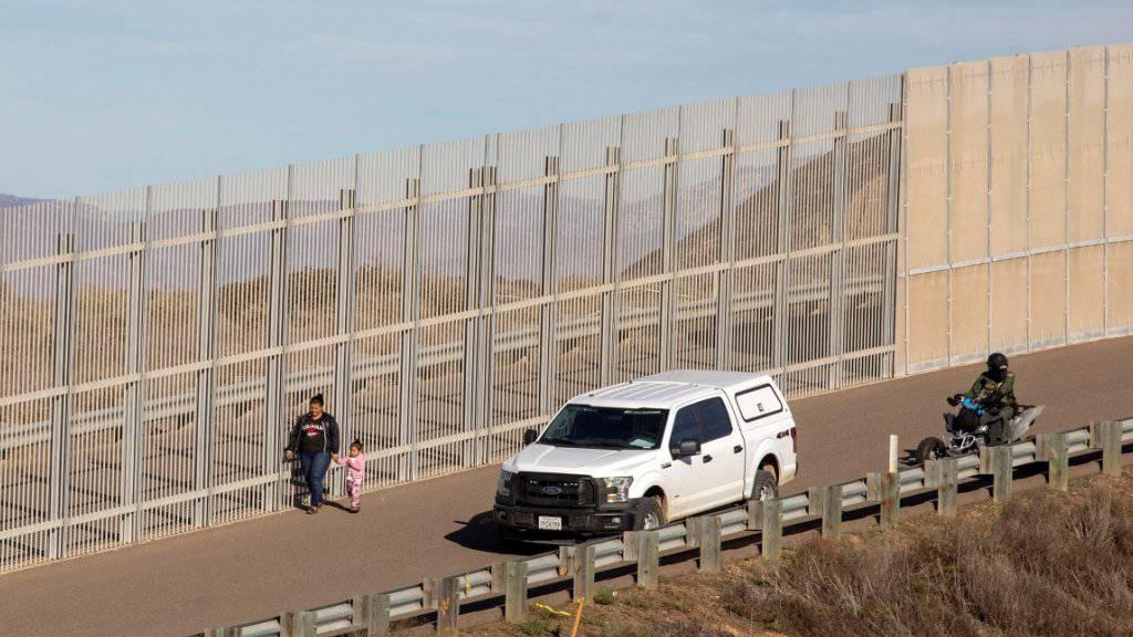 Die USA und Mexiko einigen sich auf ein temporäres Abkommen für den Umgang von Migranten. (Symbolbild)