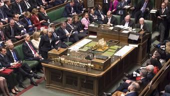 Das britische Unterhaus hat in der Nacht auf Donnerstag für eine Verschiebung des Brexit gestimmt, um einen EU-Austritt ohne Abkommen zu verhindern.