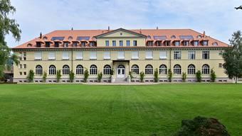 Das Gebäude ist heute Wohnhaus und Eventlokal. Früher haben Arbeiter und Angestellte dort gewohnt und gegessen.