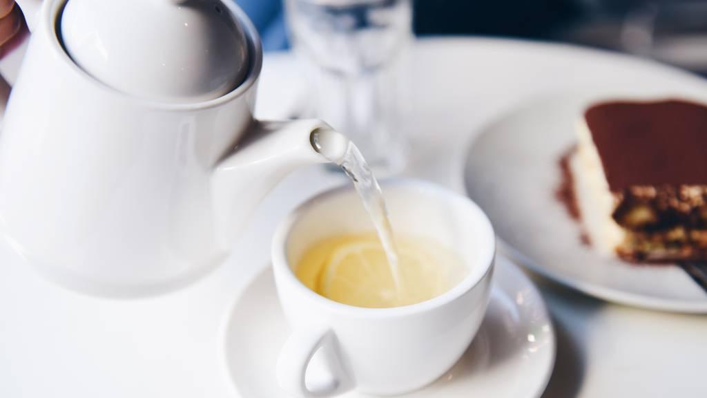 Tee & Tea Time