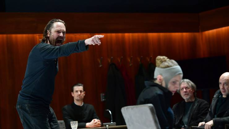 "Robert Icke inszeniert in Basel die ""Hexenjagd""."