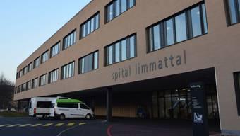 Wegen des Corona-Virus gilt ein generelles Besuchsverbot: Das Spital Limmattal und das Pflegezentrum sind für Auswärtige geschlossen. Ein paar wenige Ausnahmen bestehen aber.