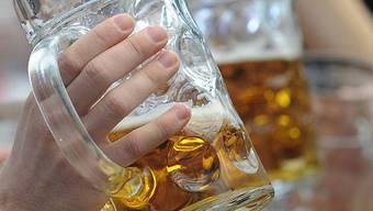 Neun Biersorten kommen aus der Region Basel. (Symbolbild)