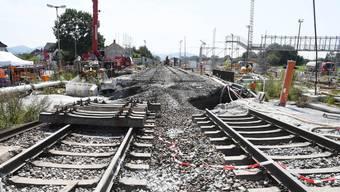 Die Rheintal-Bahnstrecke zwischen Basel und Karlsruhe ist derzeit unterbrochen. Grund ist ein abgesacktes Bahngleis bei Rastatt.