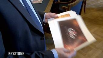 Der Nationalrat debattierte heute über den Service public. Wir wollten es von den Parlamentarier ganz konkret wissen: Welche Sendung des Schweizer Fernsehens gehört zum Service public, auf welche kann verzichtet werden? Die Meinungen gehen vor allem bei Unterhaltungs- und Sportsendungen weit auseinander.