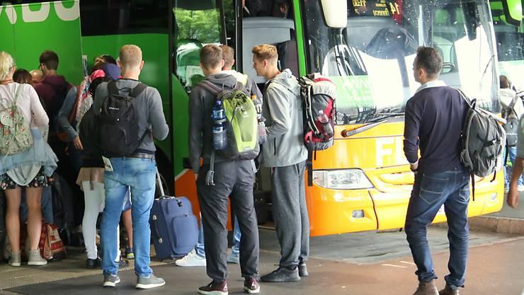 Ausländische Fernbusse dürfen keine Passagiere innerhalb der Schweiz transportieren. (Symbolbild)