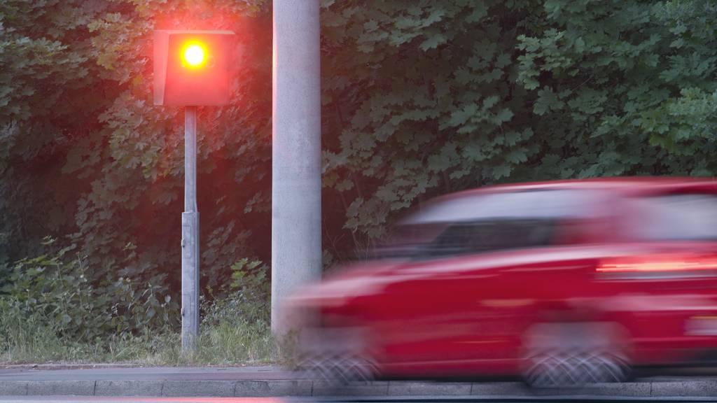 Solche Bilder gehören in Vorarlberg bald der Vergangenheit an: Die Polizei setzt auf Lasergeräte. (Symbolbild)