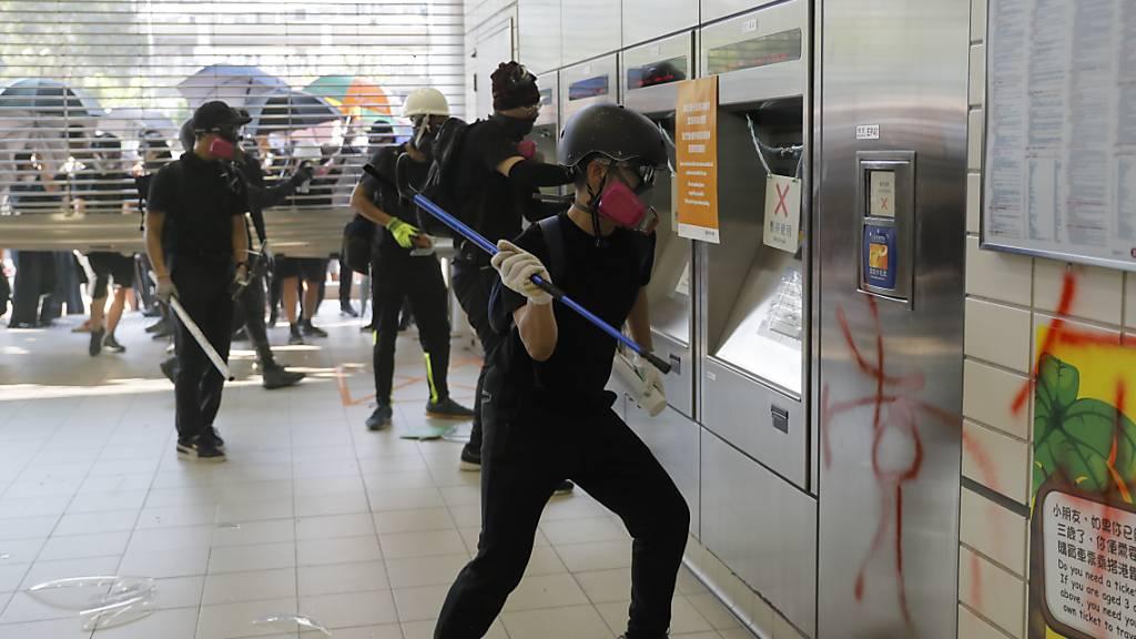 Hongkonger Gericht will Notstandsrecht prüfen