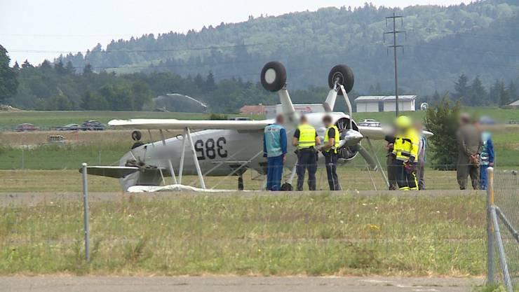 Die Boeing Stearman überschlug sich bei der Landung kurz vor dem Stillstand.