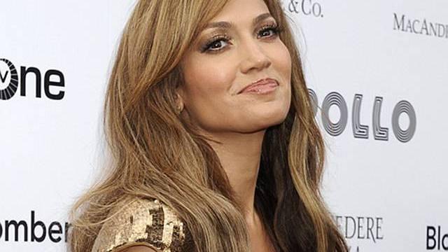 Jennifer Lopez steht vor Vertragsunterzeichnung