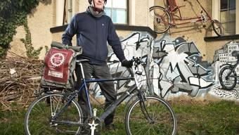 Velokurier Klaus Bär könnte Unterschlupf im «Bleifrei» finden.