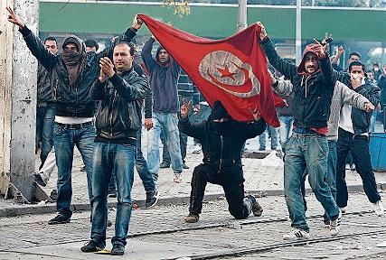 2011 – Arabischer Frühling: Von Tunesien schwappen die Proteste auf Nachbarländer über. Das Werkzeug der Demonstranten: das Smartphone.