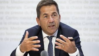 «Diese Krise zieht sich unerbittlich in die Länge», sagt Bundeskanzler Walther Thurnherr. «Und je länger sie dauert, desto gereizter wird die Stimmung.»