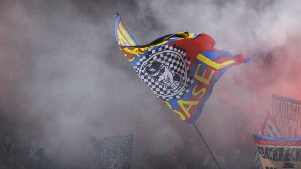 Ungefähr 800 Fans des FC Basel werden am kommenden Samstag in Lugano erwartet. Der Grossteil von ihnen wird mit einem Sonderzug anreisen.