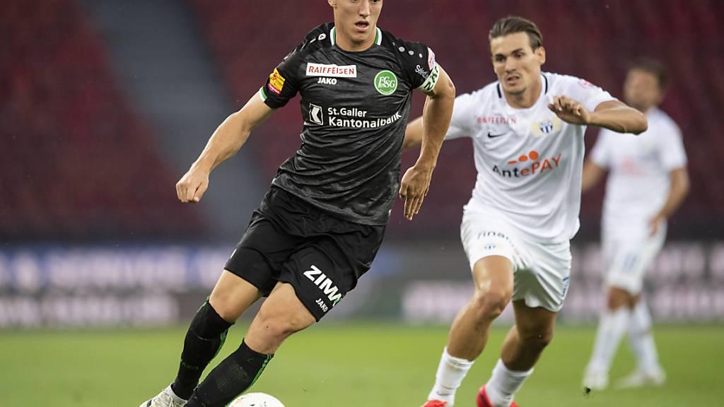 Silvan Hefti (vorne) verlässt den FC St. Gallen und wechselt zu den Young Boys