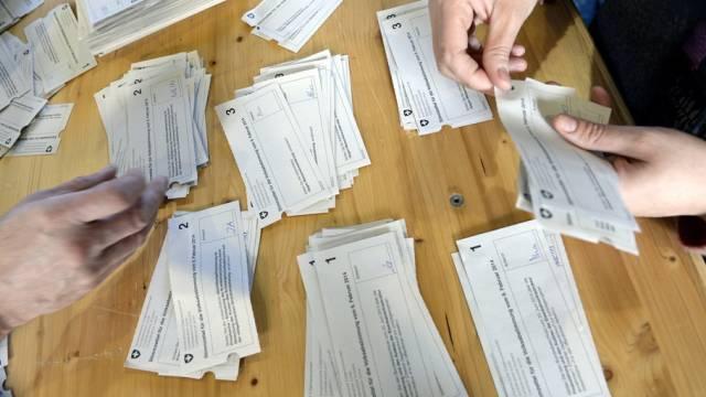 Nicht die nationalen, aber die kantonalen Stimmzettel wurden in Titterten vertauscht. (Symbolbild)